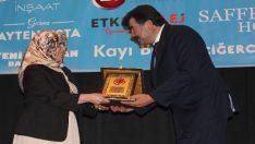 """Ayten Usta'ya """"Yılın En İyi Mekanı"""" ödülü"""