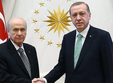 Bahçeli, Cumhurbaşkanı Erdoğan'ı tebrik etti