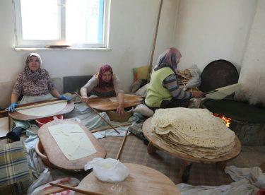 75. Yıl'ın ekmeği Selami Vardar Halk Merkezi'nde pişiyor