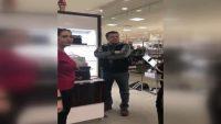 ABD'de Arapça konuşan çalışanlara, müşteriden ırkçı tepki