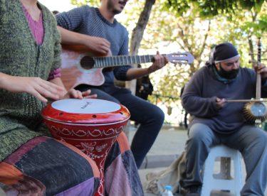Güneşi gören sokak sanatçıları sahneye çıktı