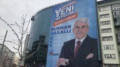 Eskişehir'de AK Parti adayının seçim afişi indirildi