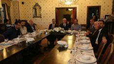 Kazım Kurt'tan Eskişehirspor'a moral yemeği