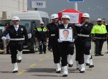Trafik kazasında şehit olan polis memuru için tören düzenlendi