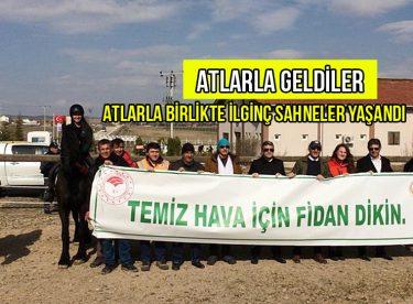 ATLARLA GELDİLER