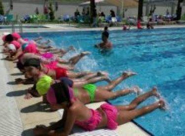 Güneş ve sıcakların neden olacağı çocuk hastalıklarına dikkat!