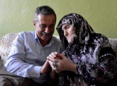 Başkan Ataç'tan asırlık Emine nineye ziyaret