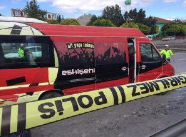 Eskişehirspor U12 oyuncularını taşıyan minibüs kaza yaptı