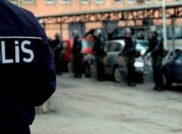 'Çağdaş Eskişehir Gönüllülerine' tombala baskını