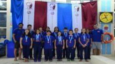 Küçük yüzücüler 17 madalya ile eve döndü