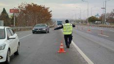 Trafik polislerinden 'Yağmur' uygulaması