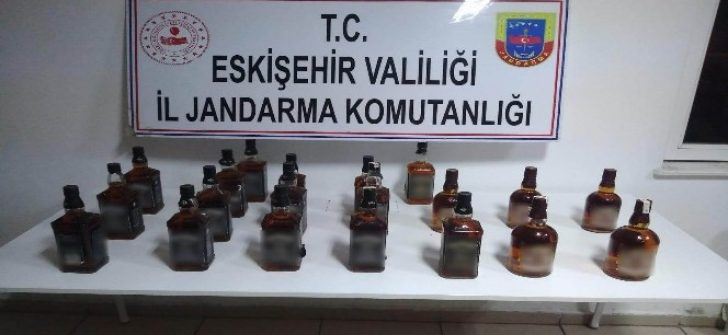 Eskişehir'de 20 şişe sahte içki ele geçirildi