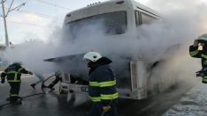 Servis otobüsü alev alev yandı