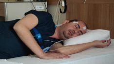 Bu pozisyonda uyuyarak 'horlamadan' kurtulmak mümkün