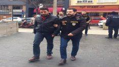 Gazinonun önünde çıkan kavgada silahlar konuştu