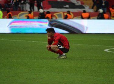 Eskişehirspor: 1 – Akhisarspor: 2