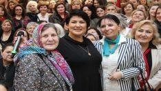 Eskişehir'de İclal Aydın'a yoğun ilgi