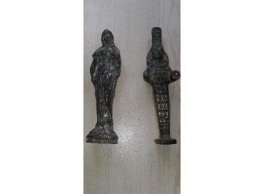 Roma dönemine ait heykelleri satmaya çalışırken yakalandılar