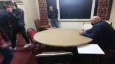 Kumar oynayan 20 kişiye sosyal mesafe cezası