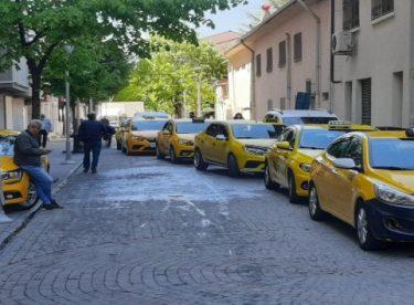 Tek-çift uygulaması bitti ama taksiler boş kaldı