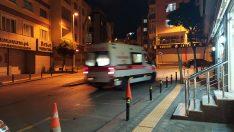 Zeytinburnu'nda silahlı kavga: Yaralının yere yığıldığı anlar kamerada