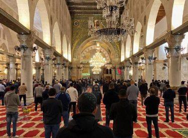 Kutsal mekanlar ibadete açıldı