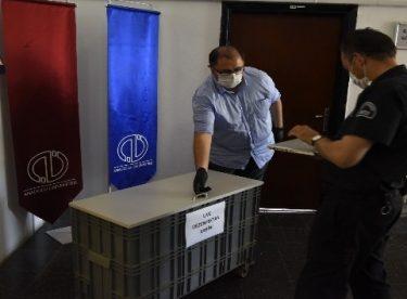Anadolu Üniversitesi BAUM, korona virüse karşı ultraviyole dezenfeksiyon kabini kullanımına geçti