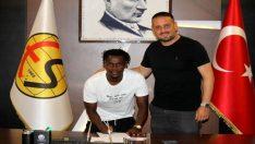 Eskişehirspor, Sunday Alimi ile sözleşme imzaladı