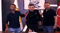 Kaleci Melih'ten Eskişehirspor'a 3 yıllık imza