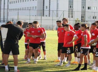 Eskişehirspor ligin ilk maçından 3 puanla ayrılmak istiyor
