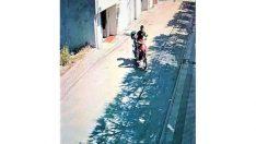 Güpegündüz motosiklet hırsızlığı