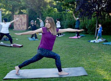 Açık havada yoga keyfi