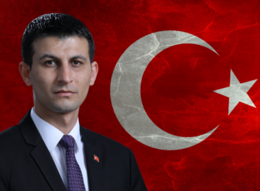 Türk milleti kanlı ellere teslim olmaz